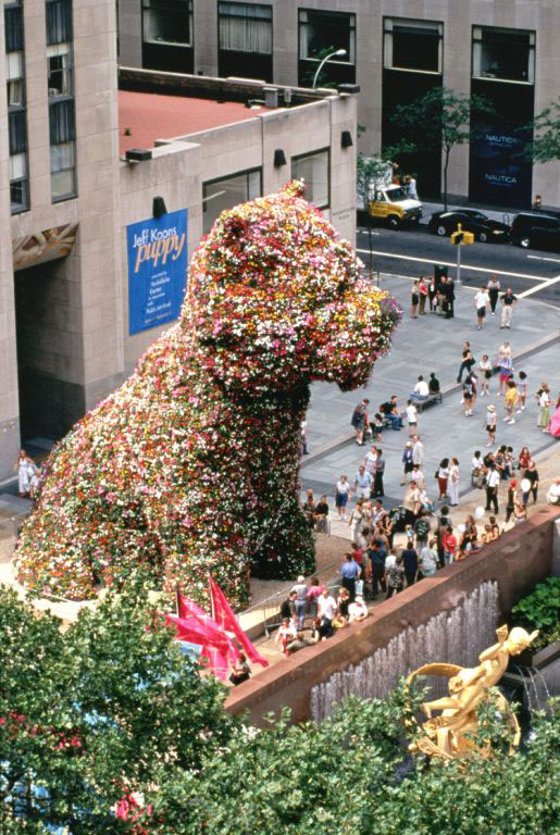 Jeff Koons's Puppy (1992) on display in Rockefeller Center, sometime in 2000.